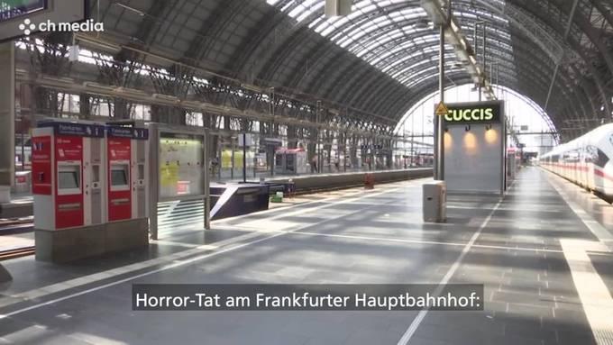 Horror-Tat: Mann stösst Mutter und Kind vor Zug - Achtjähriger stirbt