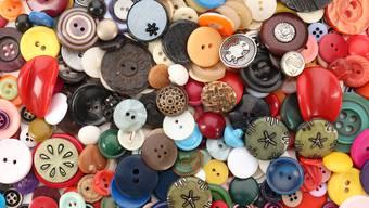 Knallig, dezent, aus Plastik oder teuren Materialien: Der Knopf ist das neue Accessoire.