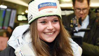 Corinne Suter hat auch in Crans-Montana gute Laune - 2. Platz im ersten Training