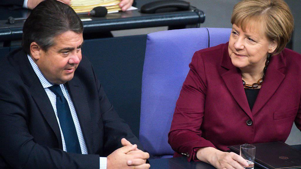 Zufriedene Gesichter bei der Regierungsspitze: Bundeskanzlerin Angela Merkel und ihr Vize Sigmar Gabriel