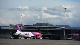 Ab Oktober wird der Budapester Billigflieger Wizz Air vom Euro-Airport auch die polnische Hauptstadt Warschau bedienen.Juri Junkov