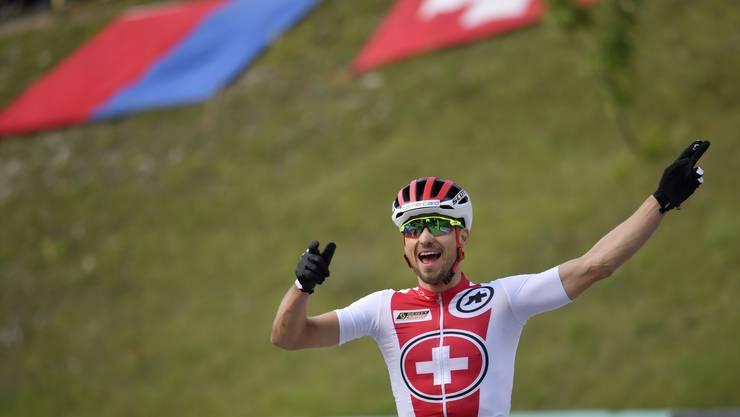 Nino Schurter hängt als Schweizer Schlussfahrer alle Konkurrenten ab.