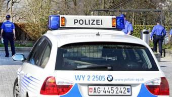 Die Kantonspolizei Aargau rückte am Mittag aus. (Symbolbild)