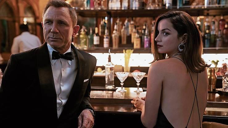 Mit Maske im Kinosaal, aber ohne Topagent auf der Leinwand: Schweizer Kinos leiden unter der Verschiebung des neuesten «James Bond»-Streifen.