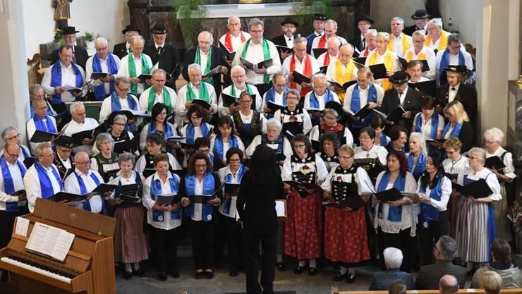 Männerchor Mellingen, Jodelchor Mellingen und Gruppo Folk Italia Nostra  2017 in der Stadtkirche Mellingen