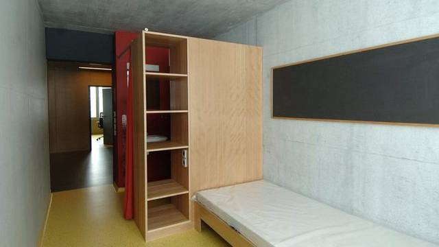 Blick in ein Zimmer des Massnahmenzentrums Bitzi in Mosnang (Archiv)