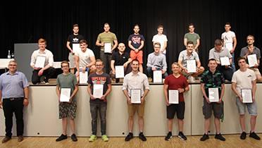 AGVS, Sektion Aargau, feierte den Berufsnachwuchs im Autogewerbe