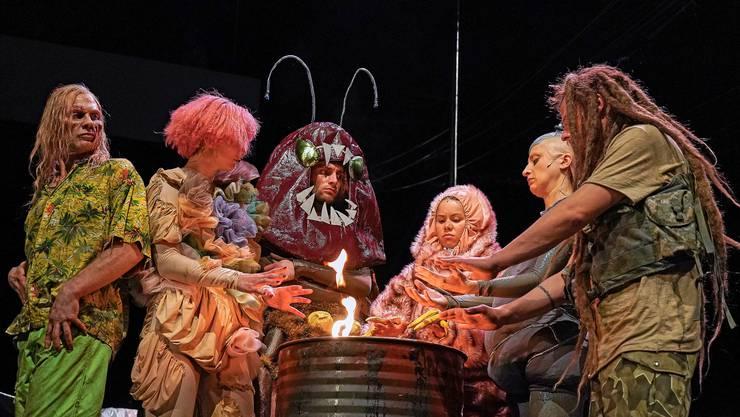 «Das Ende der Welt, wie wir es kennen» auf der Grossen Bühne des  Theater Basel.
