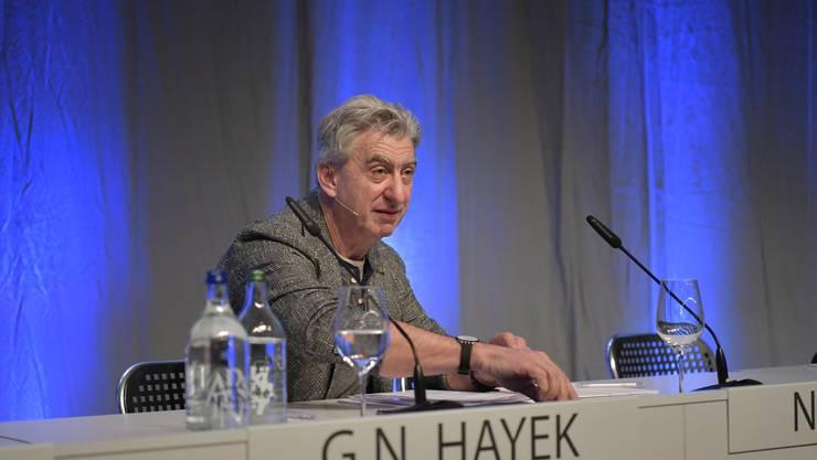 Konzernchef Nick Hayek an der GV im Velodrome.