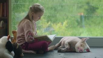 Vom besten Freund zum saftigen Schnitzel: PETA hat mit der Filmakademie Baden-Württemberg den Spot «Best Friends» geschaffen.