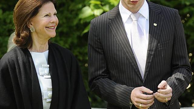 Königin Silvia besucht Graf Bernadotte