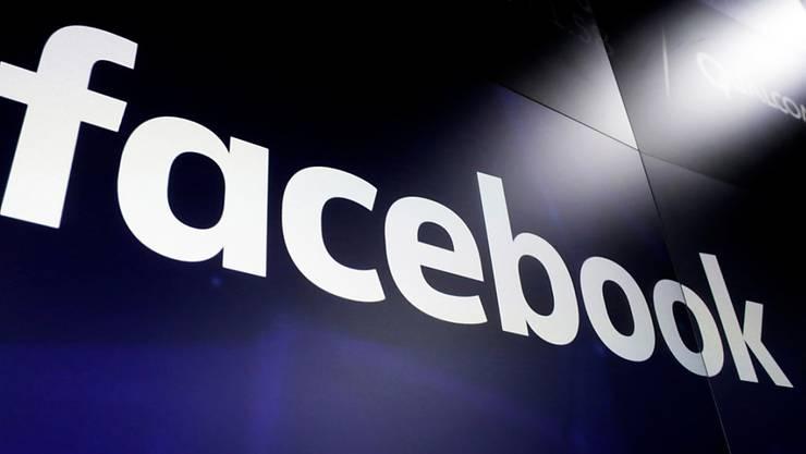 Facebook lud Kontaktdaten von 1,5 Millionen Nutzern ungefragt hoch. (Archiv)
