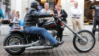 500 schwere Maschinen beim Harley-Meeting an der HESO