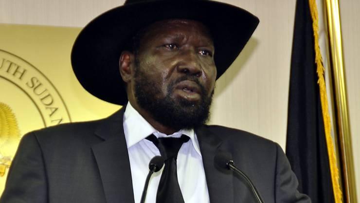 Der Präsident des Südsudans, Salva Kiir, bleibt weitere drei Jahre im Amt (Archiv)