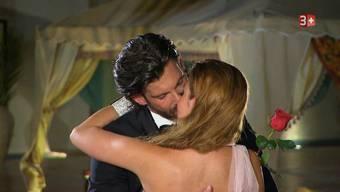 Das grosse Finale: Der «Bachelor» gibt der deutschen Natalie seine letzte Rose.