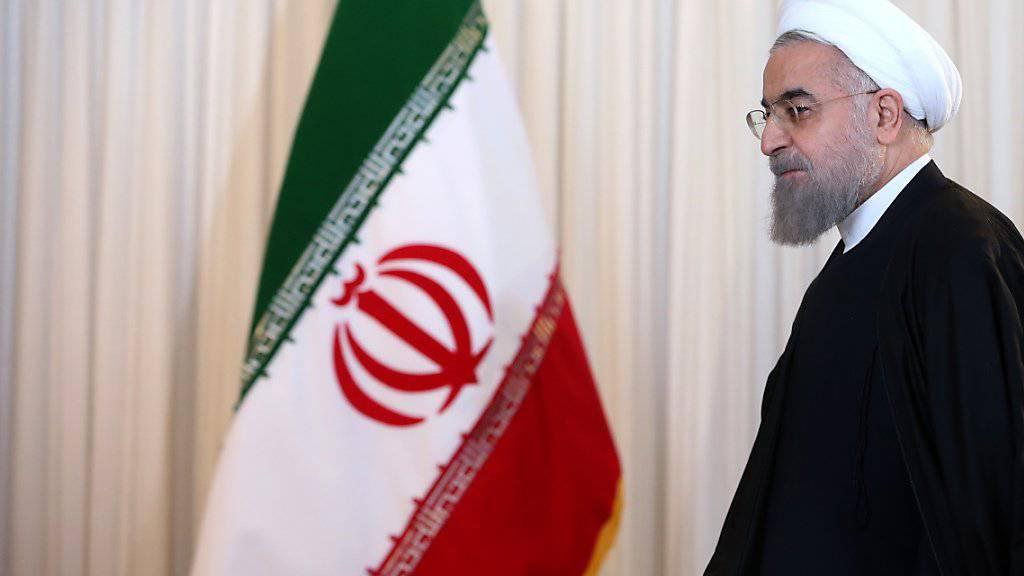 Präsident Ruhani hält sich offenbar an das Atomabkommen von Wien: Nun wird das angereicherte Uran nach Russland verschifft.