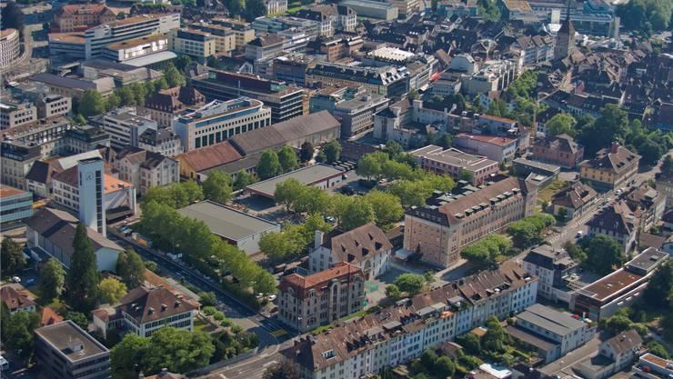 Das Kasernenareal im Herzen Aaraus soll für die Bevölkerung auch ein Ort der Begegnung werden.Archiv/Jiří Vurma