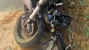 Das kaputte Motorrad.