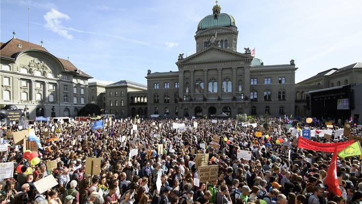 Rund 100'000 Personen demonstrierten vor einer Woche in Bern. Darunter auch Politiker von SP, Grünen und GLP.