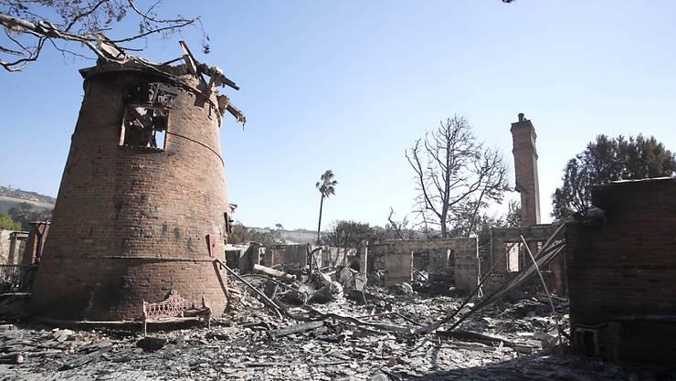 Nut noch Schutt und Asche: Das ehemalige Haus des Entertainers Thomas Gottschalk in Malibu, Kalifornien, nach dem verheerenden Brand.