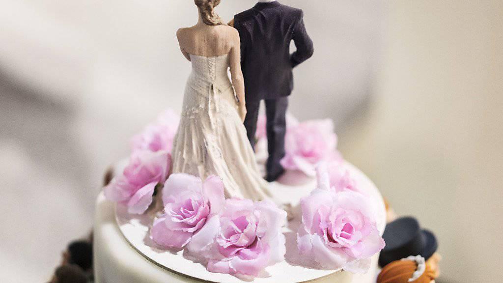 Zürcher und Zürcherinnen wollen den Ehebegriff zwischen Mann und Frau nicht in der Verfassung (Archivbild).