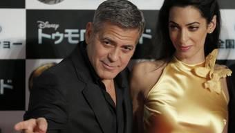 """US-Schauspieler George Clooney ist """"glücklich und aufgeregt"""" über die Zwillingsschwangerschaft seiner Frau Amal. (Archivbild)"""