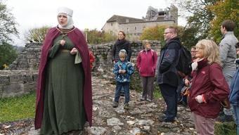 Barbara Brücker nahm die Besucher als Anna von Kyburg mit auf eine Zeitreise.