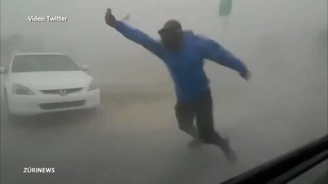 Irma wütet mit bis zu 215 km/h durch Florida