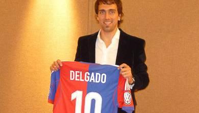 Delgado mit seinem Trikot, der Nummer 10.