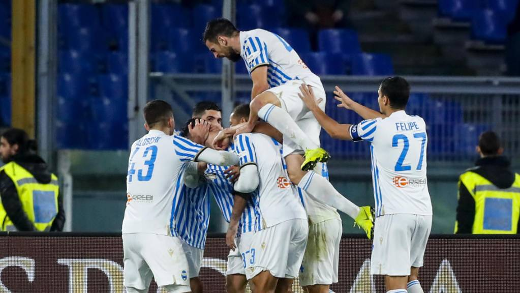 Ein seltenes Bild in der Serie A: die Spieler von SPAL Ferrara in ausgelassenem Jubel