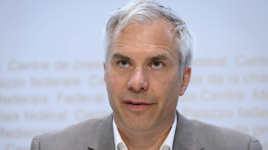 Geht von drei bis fünf Prozent Corona-Infizierten in der Schweizer Bevölkerung aus: Martin Ackermann, Leiter der Covid-19-Taskforce des Bundes. (Archivbild)
