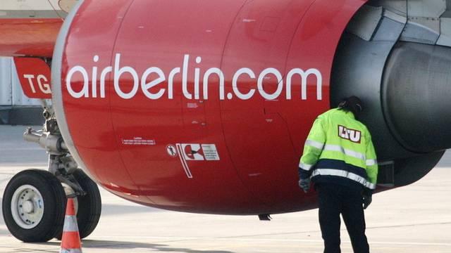 Air Berlin hat im dritten Quartal einen Gewinneinbruch erlitten (Archiv)