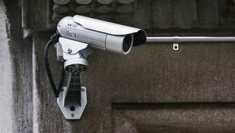 Der Datenschutzbeauftragter soll bei Videoüberwachung von Privatpersonen vermitteln können. (Symbolbild)