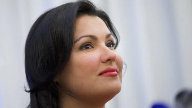 Anna Netrebko verteidigt das bearbeitete Cover-Foto (Archiv)