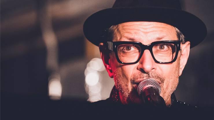 Als Künstler ist man nie fertig: Schauspieler Jeff Goldblum überrascht als formidabler Pianist und Sänger.