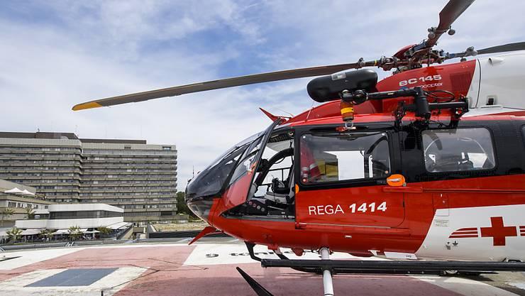 Der zusammengebrochene Rugby-Spieler wurde per Helikopter ins Lausanner Universitätsspital geflogen. (Archivbild)