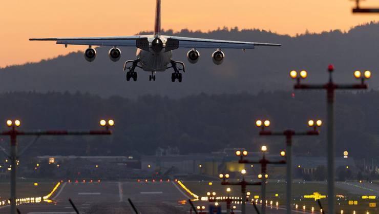 Geht es nach den Grünen, sollen Stadtzürcher Angestellte und Behördenmitglieder nicht mehr mit dem Flugzeug auf Dienstreise gehen.