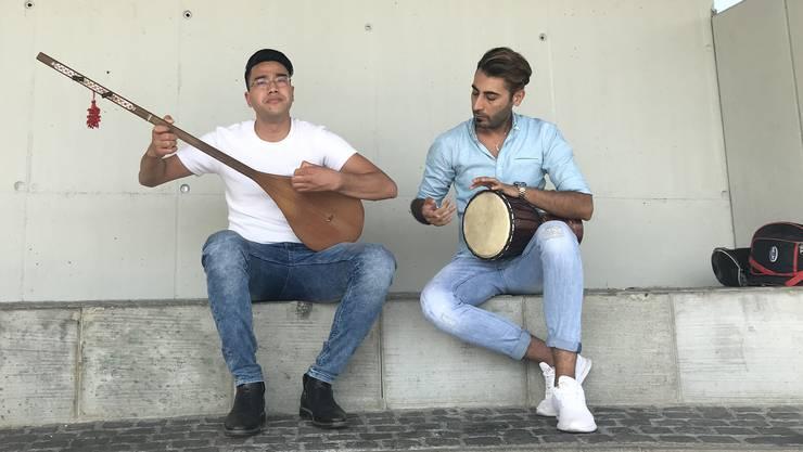 Ali Rahimi (links) und Rahim Rahimi spielten in Geroldswil.