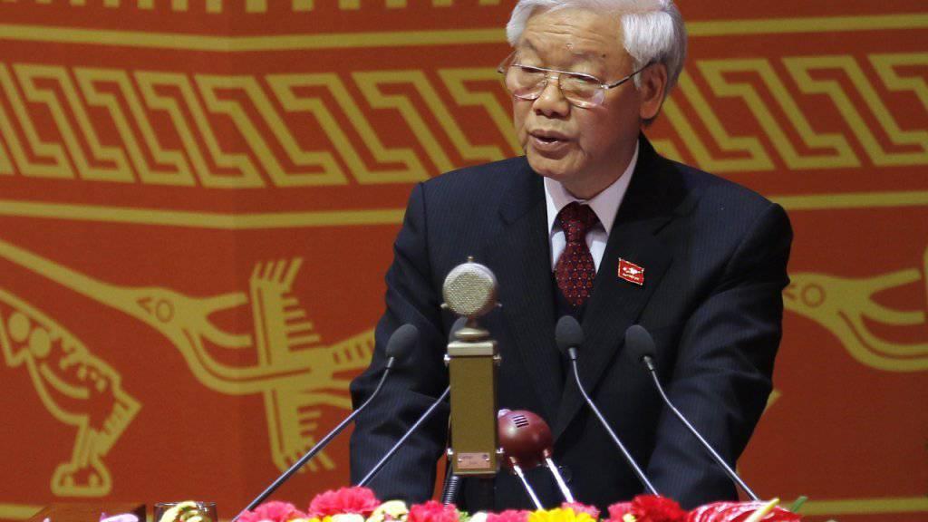 Nguyen Phu Trong, Generalsekretär der kommunistischen Partei Vietnams, spricht zum Auftakt des Kongresses.