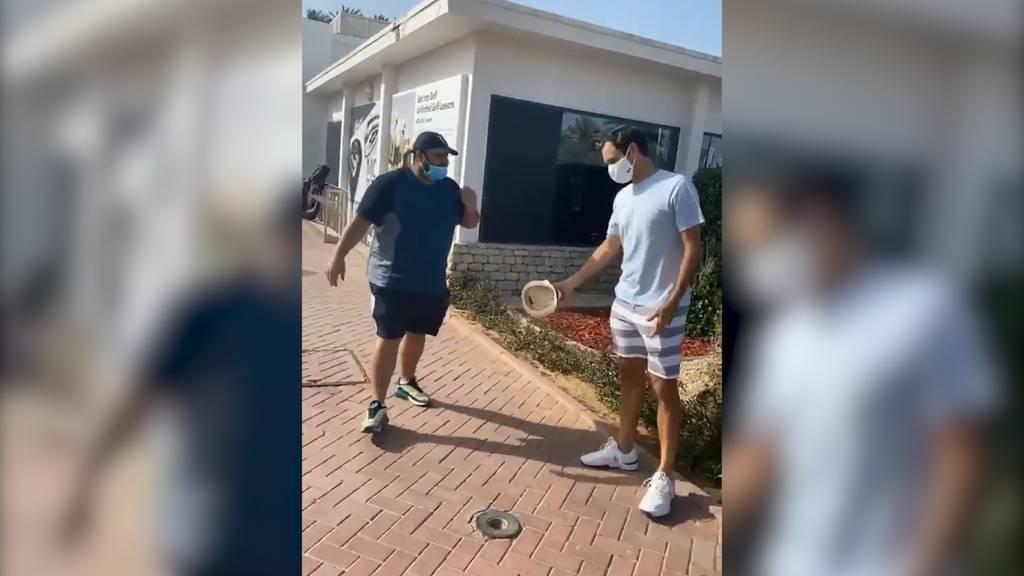«Social Distancing King»: Fan bittet um Foto - Roger Federer bittet um Abstand