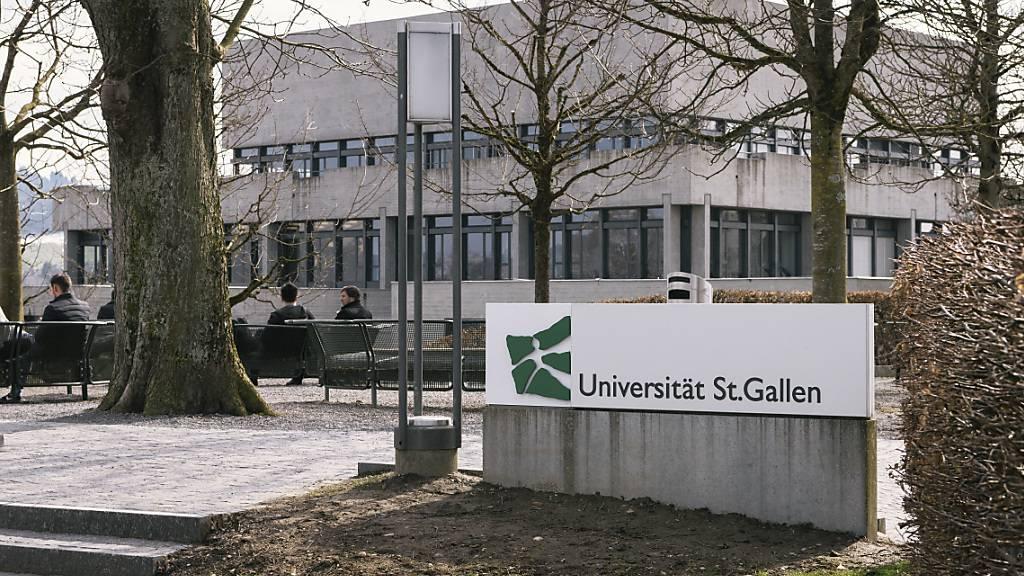 Die Univerisität St. Gallen (HSG) erhält von der Credit Suisse (CS) 20 Millionen Franken, um den Forschungsbereich Finance, Management und Recht auszubauen.