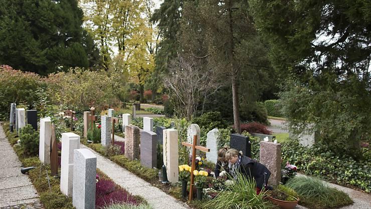 Der Stadtrat Zürich streicht den kostenlosen Taxidienst für Hinterbliebene bei Bestattungen. Die Nachfrage war zu gering. (Archivbild)