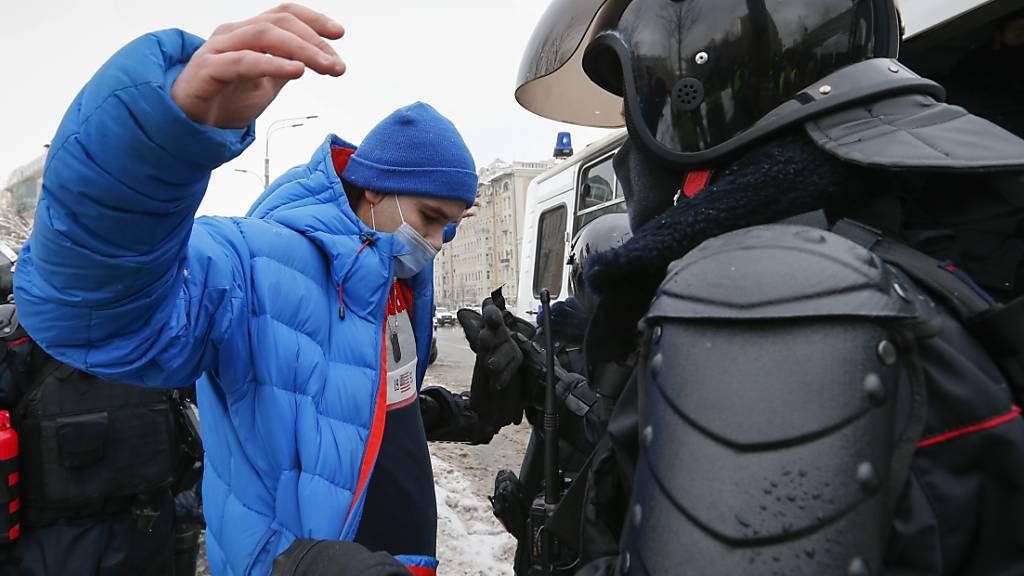 Kreml verteidigt Vorgehen der Polizei bei Massenprotesten