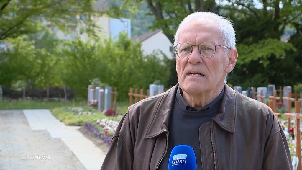 Party zwischen Grabsteinen: Auf dem Friedhof Sihlfeld herrscht keine Totenruhe