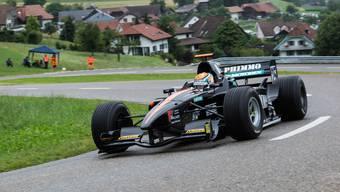 Will mit dem neuen Auto an seinem Heimrennen endlich punkten: Thomas Amweg aus Ammerswil im Lola-Mader-Cosworth 99/50, hier im Training in Reitnau 2017.