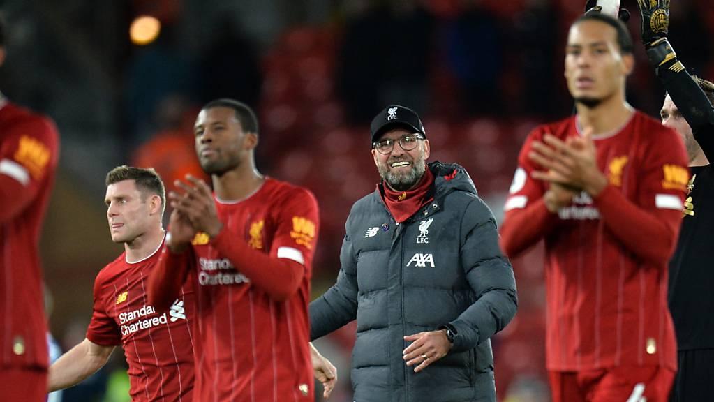 Trainer Jürgen Klopp steht mit Liverpool vor einer heikler Aufgabe. Der Titelverteidiger benötigt am letzten Spieltag der Champions-League-Gruppenphase in Salzburg mindestens einen Punkt, um sicher in die Achtelfinals einzuziehen