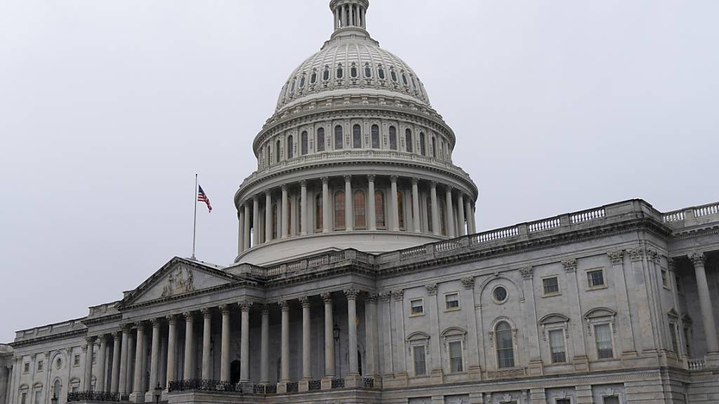 ARCHIV - Blick auf das Kapitol, dem Sitz des US-Kongresses. Foto: Jacquelyn Martin/AP/dpa