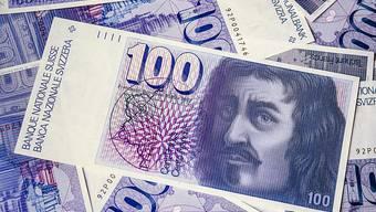 Alte Banknoten sollen in Zukunft unbefristet umgetauscht werden können. Der Bundesrat will die heute geltende Umtauschfrist ab der 6. Banknotenserie von 1976 aufheben. (Archivbild)
