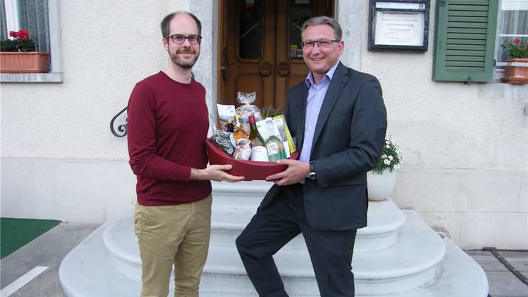 Der Historiker und Referent Ernst Guggisberg (links) mit Stephan Berger, Präsident des Jugendfürsorgevereins Thal.