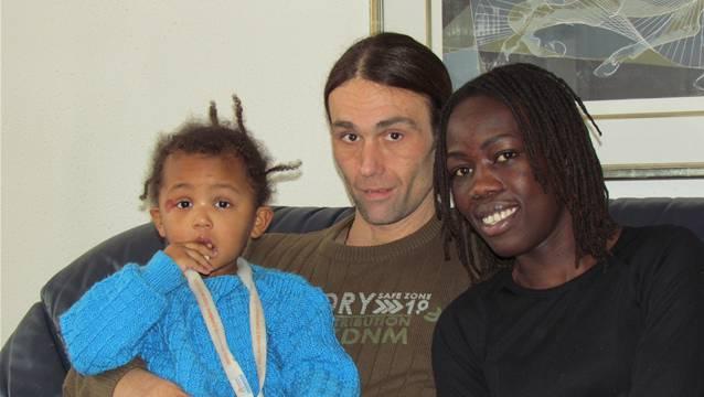 Rachel, Etienne und Durka Frey geniessen die gemeinsame Zeit. Keusch